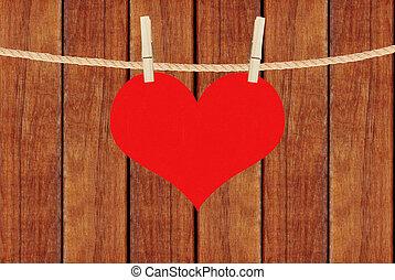 hjärta, brun, trä, över, hänga, bakgrund, plankor, röd, klädnypor