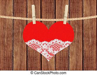 hjärta, spets, trä, över, hänga, bakgrund, plankor, röd, klädnypor