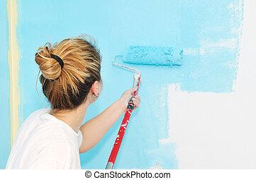 hjem, improvement:, ung kvinde, maleri mur, hos, mal rulle