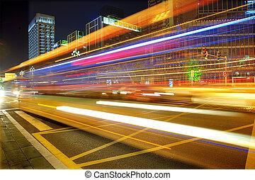 hoch, licht, verwischt, stadtzentrum, nightscape, bus,...