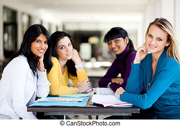 hochschulstudenten, sitzen, per, schule, cafeteria
