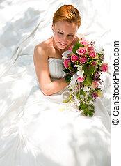 Hochzeit - Braut mit Brautstrau