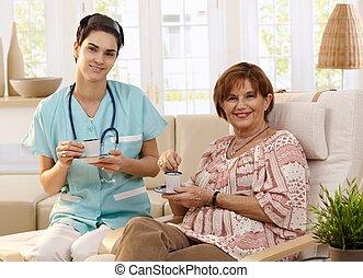 hogar, atención sanitaria