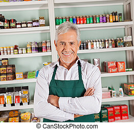 hoger mannetje, eigenaar, het glimlachen, op, supermarkt