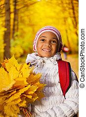 hojas, arriba, africano, cierre, niña, vista, ramo