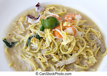 Hokkien Fry Noodles with Prawns and Squids Closeup