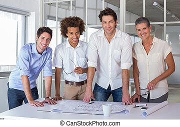 hold, i, arkitekter, smil, kamera