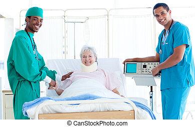 hold, i, doktorer, hos, en, patient