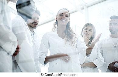 hold, i, videnskabsmænd, ind, en, laboratorium