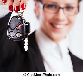 holde kvinde, firma, nøgler, hen, baggrund, hvid