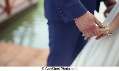 Holding Hand Couple - Holding Hand Groom And Bride