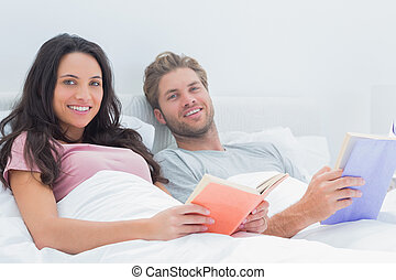 holdingen, böcker, par, glad