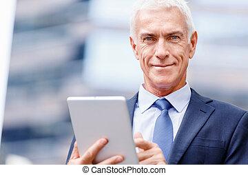 holdingen, touchpad, affärsman, senior