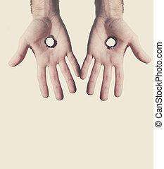 holes., deux mains