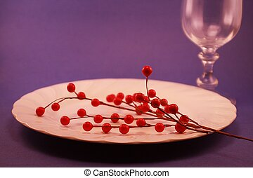 Holiday Dinner Plate Berries Stemwa
