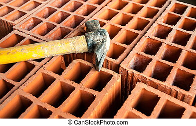 Hollow brick with hammer