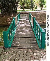 holzbrücke, grün