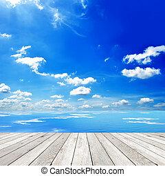 holzterrasse, mit, blaues, meer, und, himmelsgewölbe,...