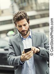 hombre, órdenes, un, taxi, de, el suyo, teléfono móvil