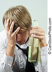 hombre, con, alcohol