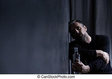 hombre, con, alcohol, botella