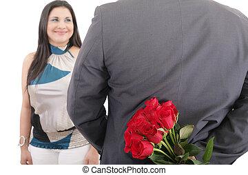 hombre, con, un, ramo, de, rosas rojas, mirar, el suyo, mujer, aislado, día de valentines, concepto