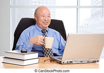 hombre de negocios, 3º edad, asiático