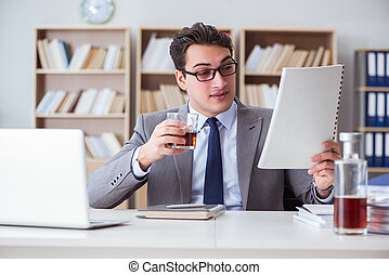 hombre de negocios, bebida, oficina