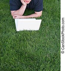 hombre de negocios, con, computador portatil, 14