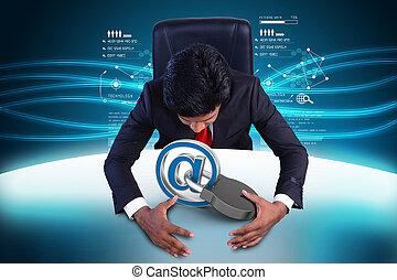 hombre de negocios, con, seguridad de internet, concepto