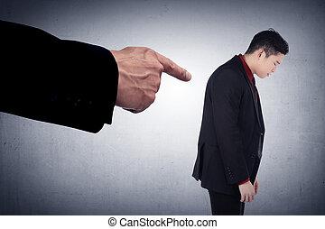 hombre de negocios, concepto, acusado, dedos, señalar