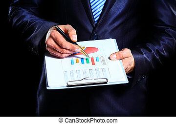 hombre de negocios, controlar, acción, market., en, fondo oscuro