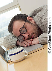 hombre de negocios, dormir la siesta