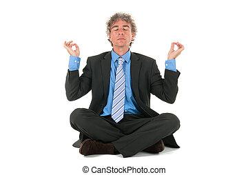hombre de negocios, en, meditación