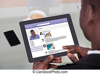 hombre de negocios, establecimiento de una red, sitios, charlar, social