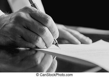 hombre de negocios, firma, un, documento de negocio