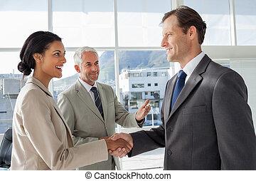 hombre de negocios, introducir, un, colega