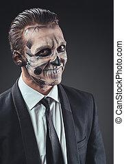 hombre de negocios, maquillaje, esqueleto, astucia