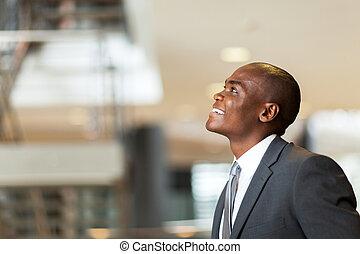 hombre de negocios, norteamericano, optimista, africano