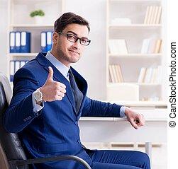 hombre de negocios, oficina, guapo, empleado, trabajando, escritorio, joven