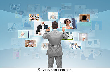 hombre de negocios, pantalla, trabajando, virtual