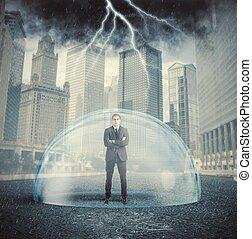 hombre de negocios, protegido, de, el, crisis