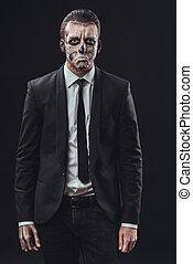 hombre de negocios, resentido, esqueleto, maquillaje