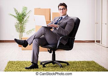 hombre de negocios, sentado, en, el, silla, en, oficina
