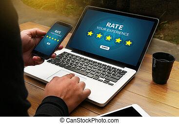 hombre de negocios, tenencia, cinco, estrella, clasificación, revisión, aumento, clasificación, o, clasificación, evaluación, y, clasificación, concepto
