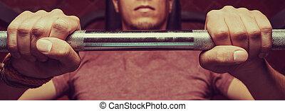 hombre, elevación, barra con pesas