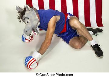 hombre, en, burro, máscara, (democrat), golpeado, sobre el...