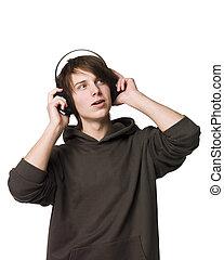 hombre, escuche música
