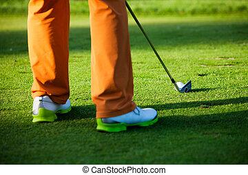 hombre, jugando golf