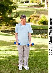 hombre maduro, hacer, el suyo, ejercicios, en, t